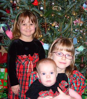 girlschristmas2008.jpg